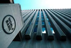 El Banco Mundial aconseja bajar aranceles y abrir el mercado aéreo