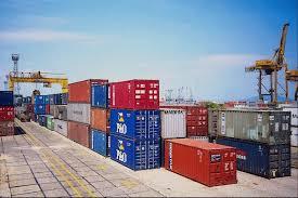 Caen un 50% los egresos por importaciones de energía y autos