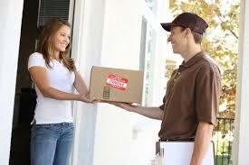 Puerta a puerta: eximen de DDJJ a compras que no excedan u$s 25