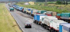 El miércoles, transportistas vuelven a paralizar los fletes de granos